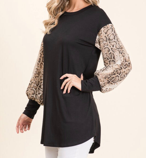 Loose Fit Snakeskin Sleeve Top