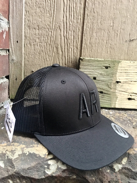 AR Trucker-Black/Black