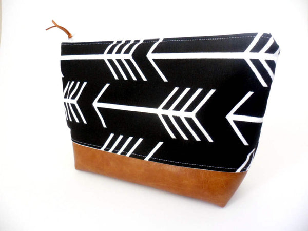 Large Zipper Pouch - Black White Arrow