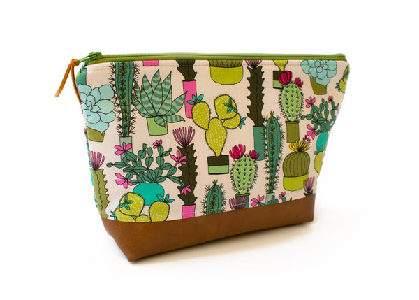 Cactus Makeup Bag, Travel Toiletry Bag, Wet Bag, Cosmetic Pouch, Cactus Zipper Pouch, Makeup Organizer, Travel Pouch