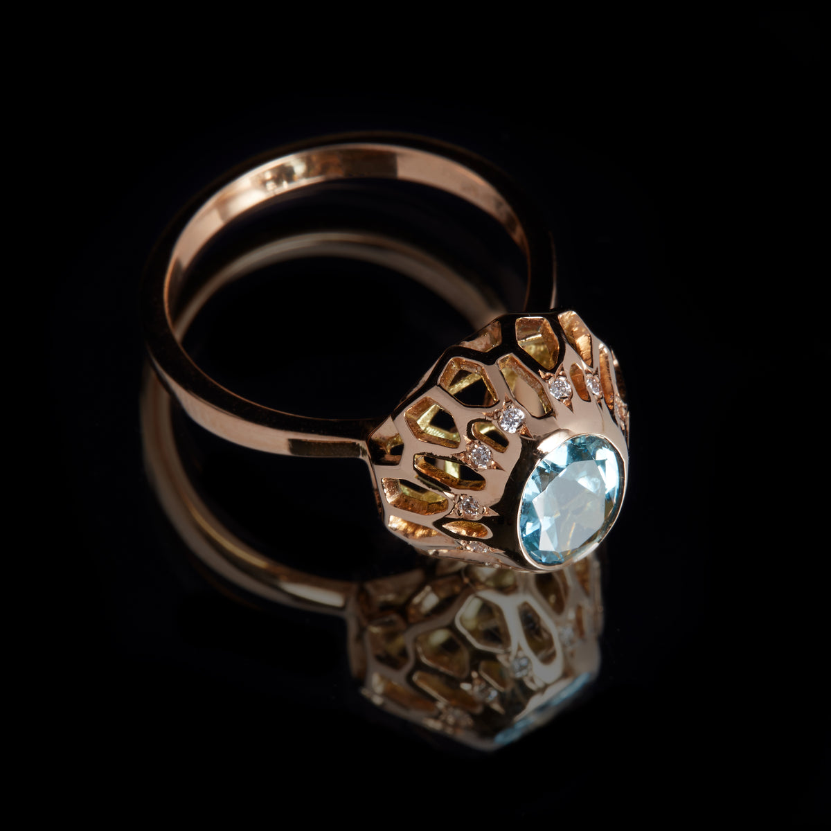 Guy and Max Digital Nature Oval Aquamarine and Rose Gold On Ice Cocktail Ring, three quarter view