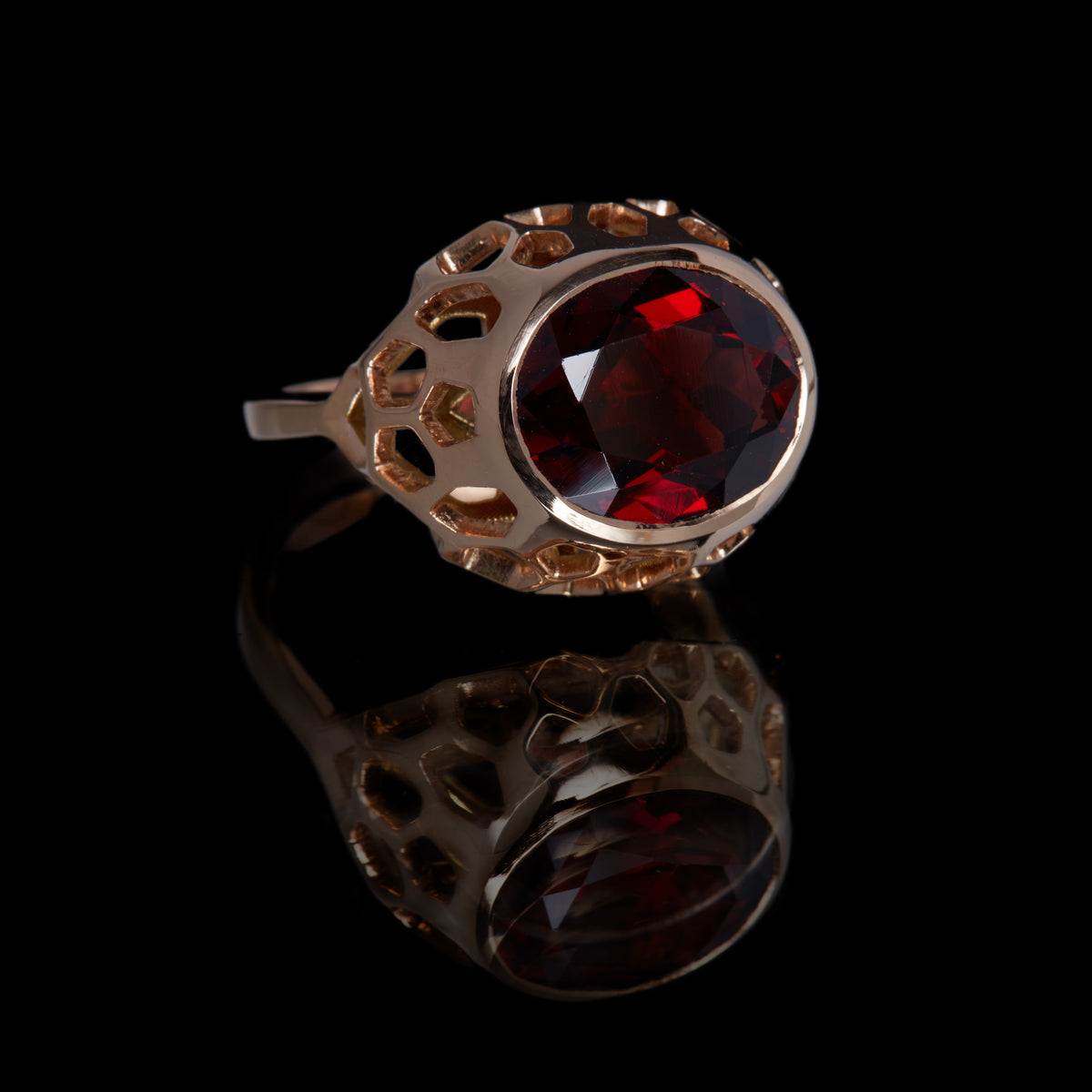 Guy and Max Oval Garnet Rose Gold Digital Nature, On Ice Cocktail Ring, three quarter front view