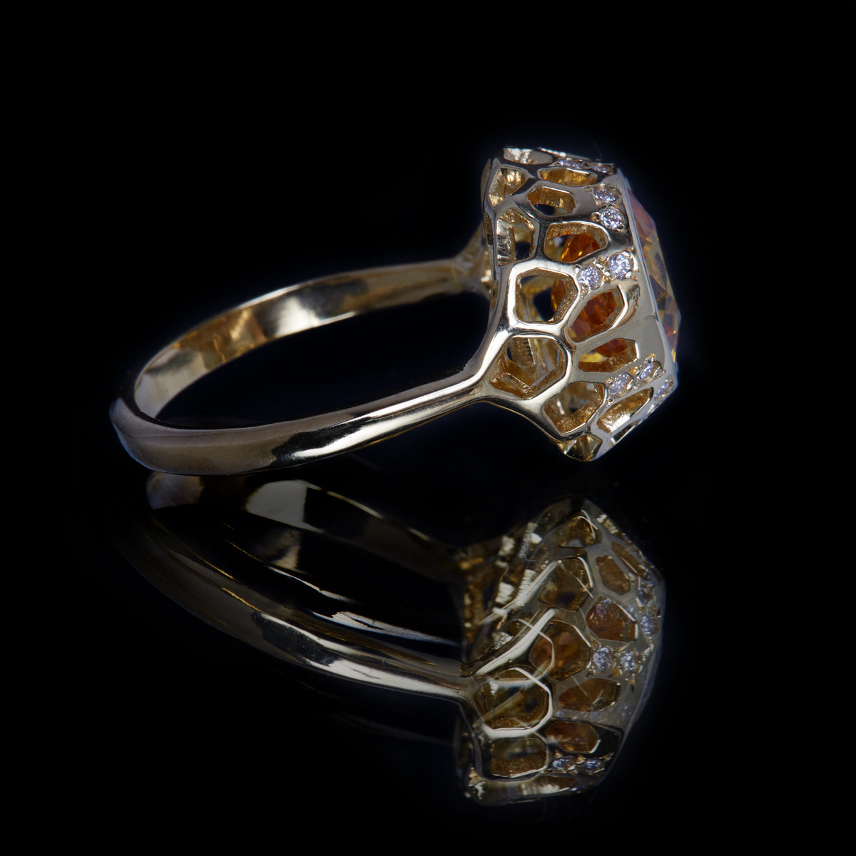 Guy and Max Round Yellow Sapphire and Gold Digital Nature Cocktail Ring, side view