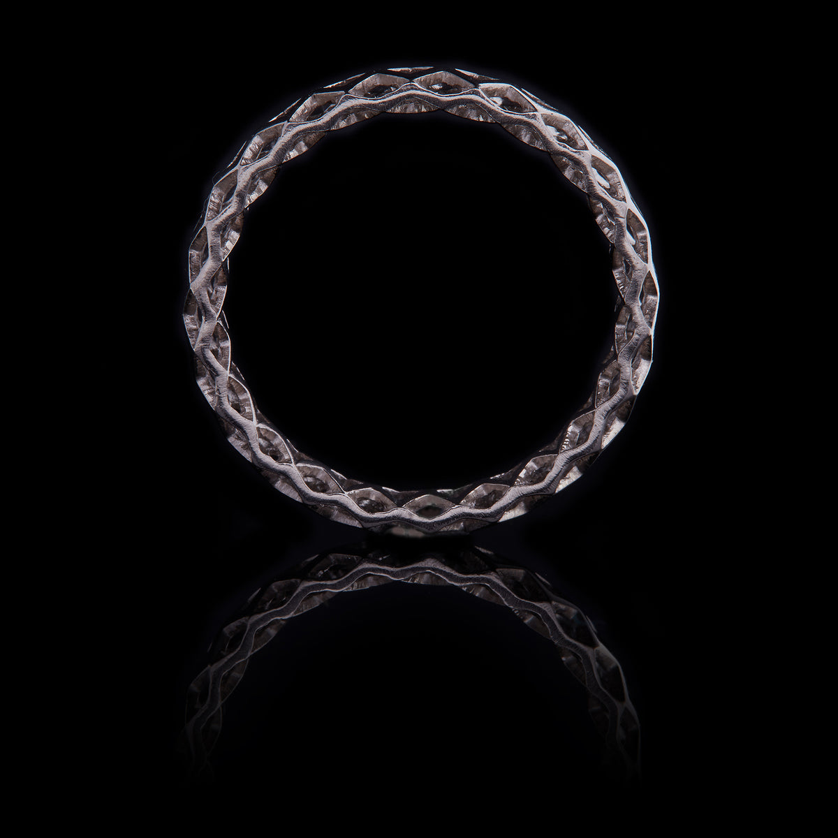 GUY&MAX 4mm birdcage mesh plain wedding band - side view