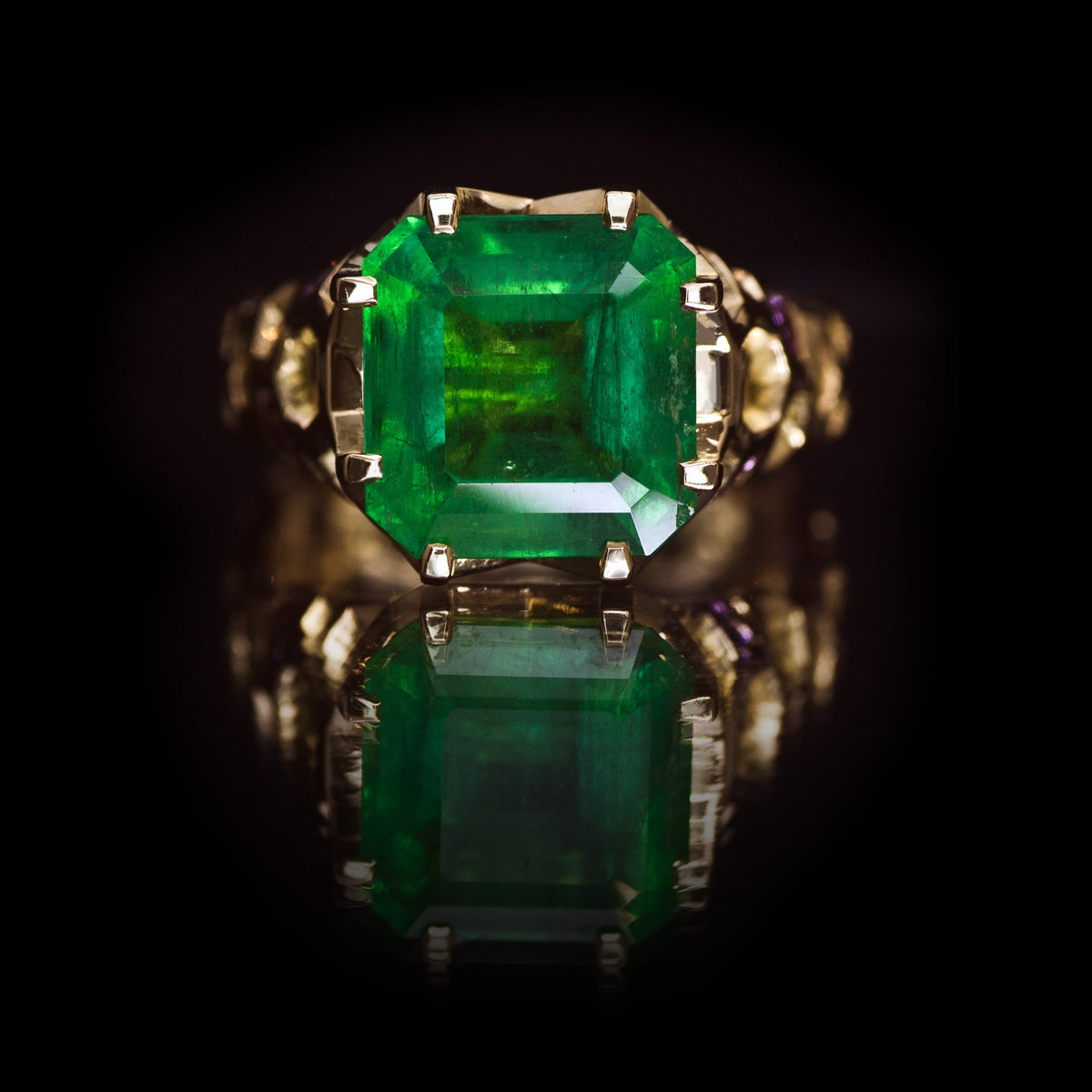 Guy and Max Digital Nature Octagonal Emerald and Gold Cellular Cocktail Ring, front view