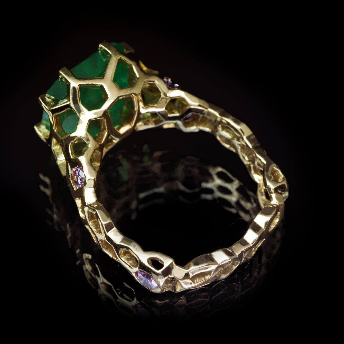 Guy and Max Digital Nature Octagonal Emerald and Gold Cellular Cocktail Ring, quarter view showing structure of ring