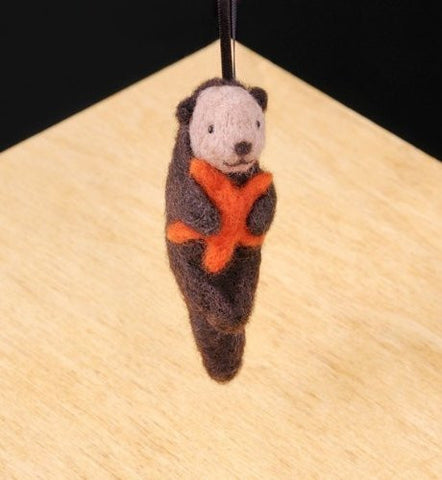 WoolPets Easy Needle Felting Kit - Sea Otter