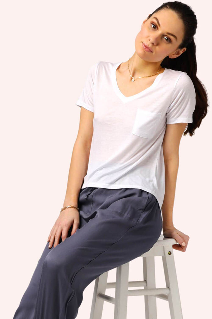 Everyday Slim Boyfriend V-Neck Tee White MILK MONEY