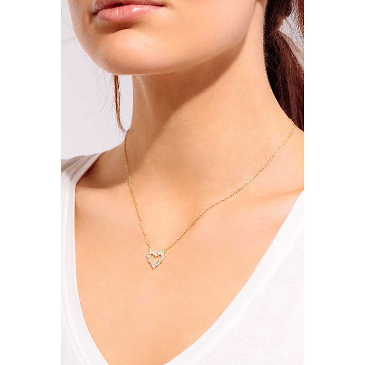 Luxe Heart Necklace gold Model - MILK MONEY
