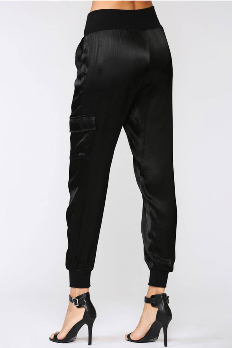 Stain Cargo Joggers black back MILK MONEY