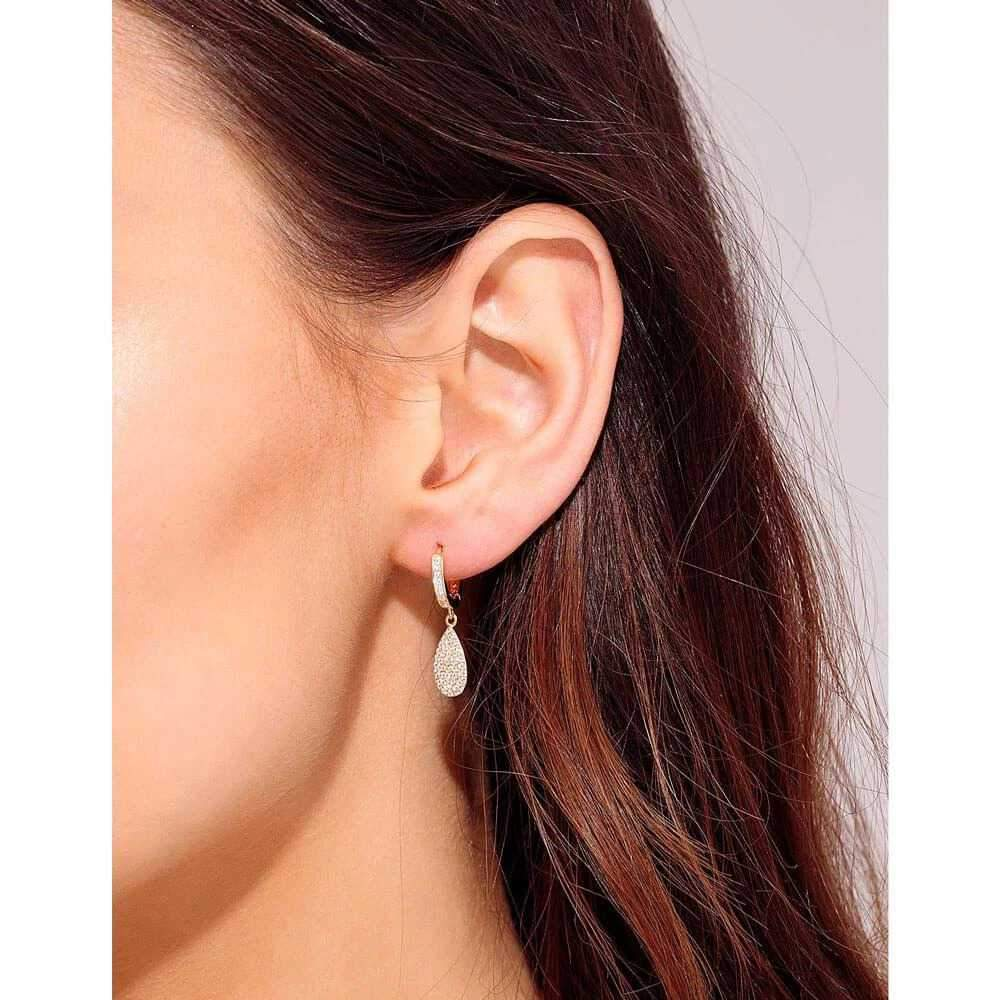 Teardrop Pavé Huggie Earring Gold model - MILK MONEY