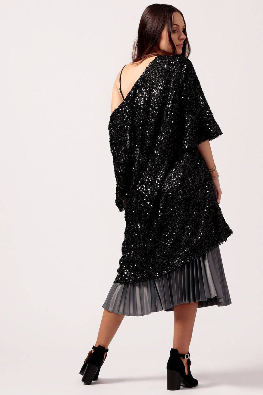 Womens Black Sequin Bell Sleeve Kimono Back