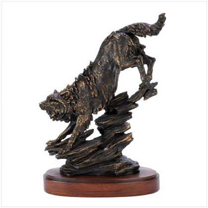 Noble Timber Wolf Statue