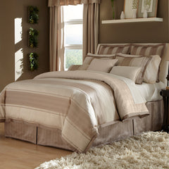 HOLLISTAN COMFORTER SET IN DIFFERENT SIZES