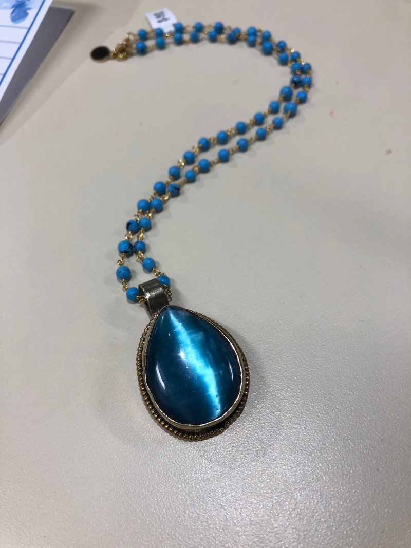 Cats Eye blue necklace