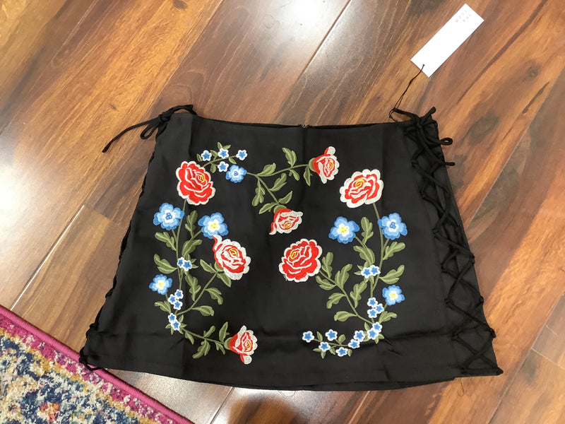 TR Black rose skirt