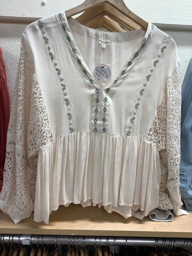 EC Lace Sleeve Top