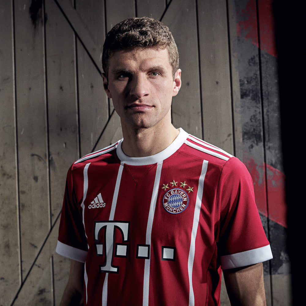 FC Bayern Munich Home Kit 2017-18