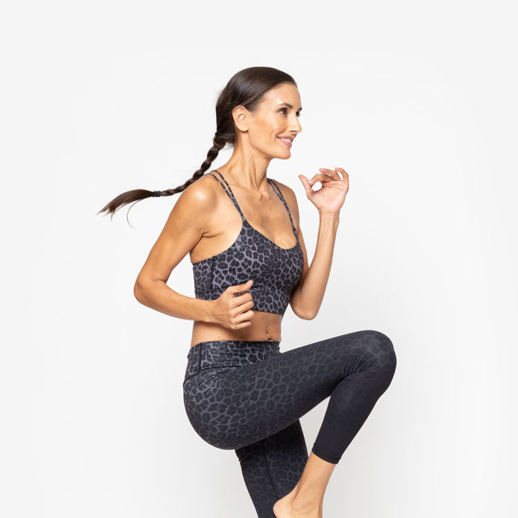 woman exercizing in workout outfit