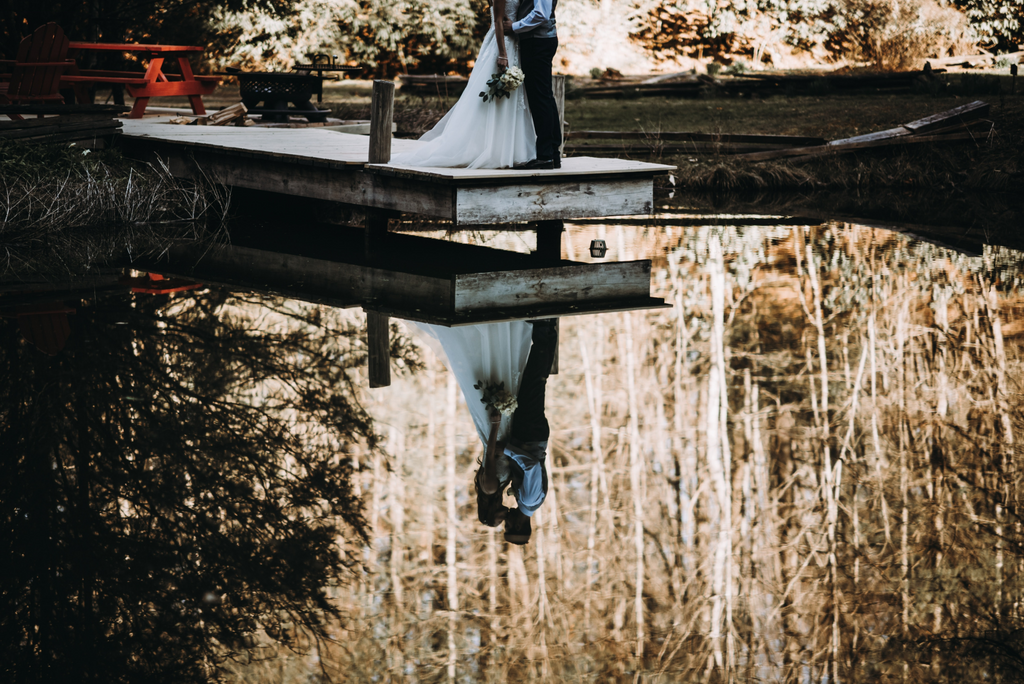 Seven Fantastic Benefits of a Lake Wedding