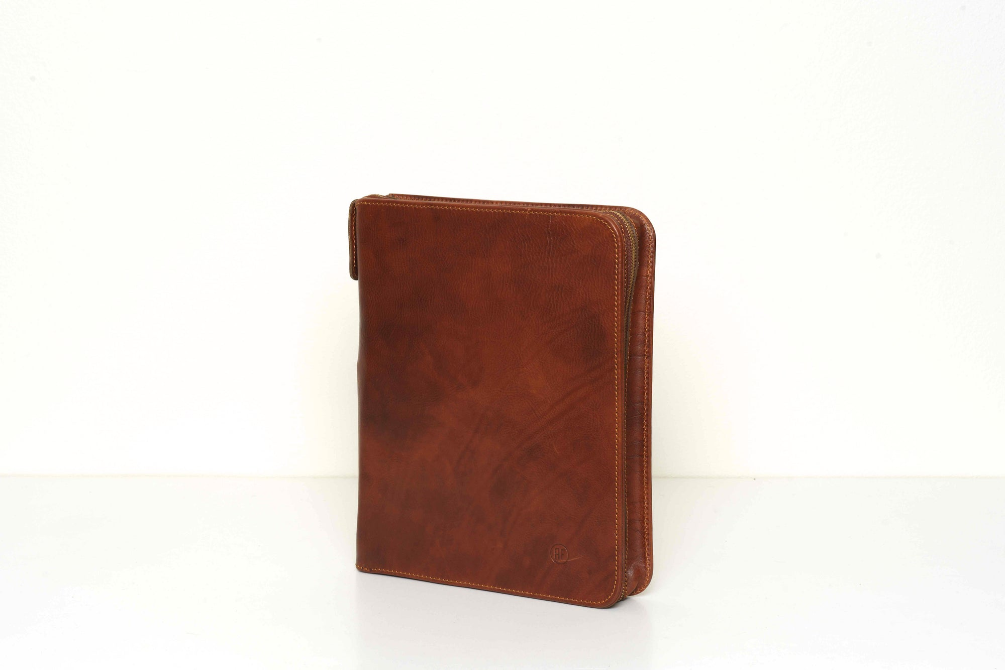 Quarto A4 Brown Leather Compendium