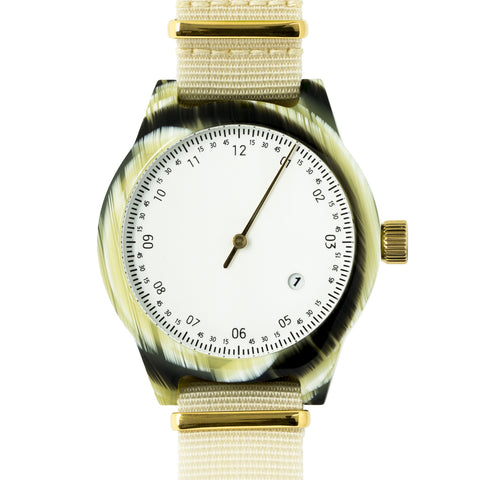 SQ03 Minuteman, One Hand, Horn (Offwhite)