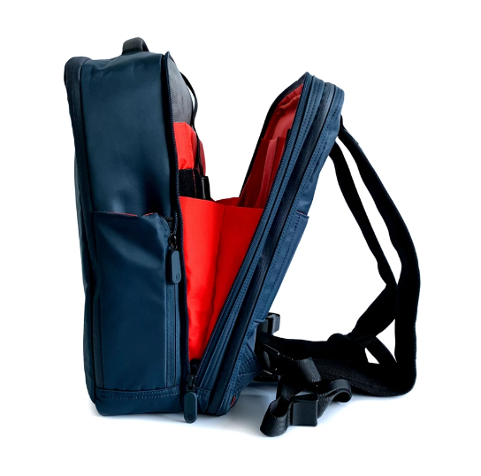 Quiver X Multifunction Bag