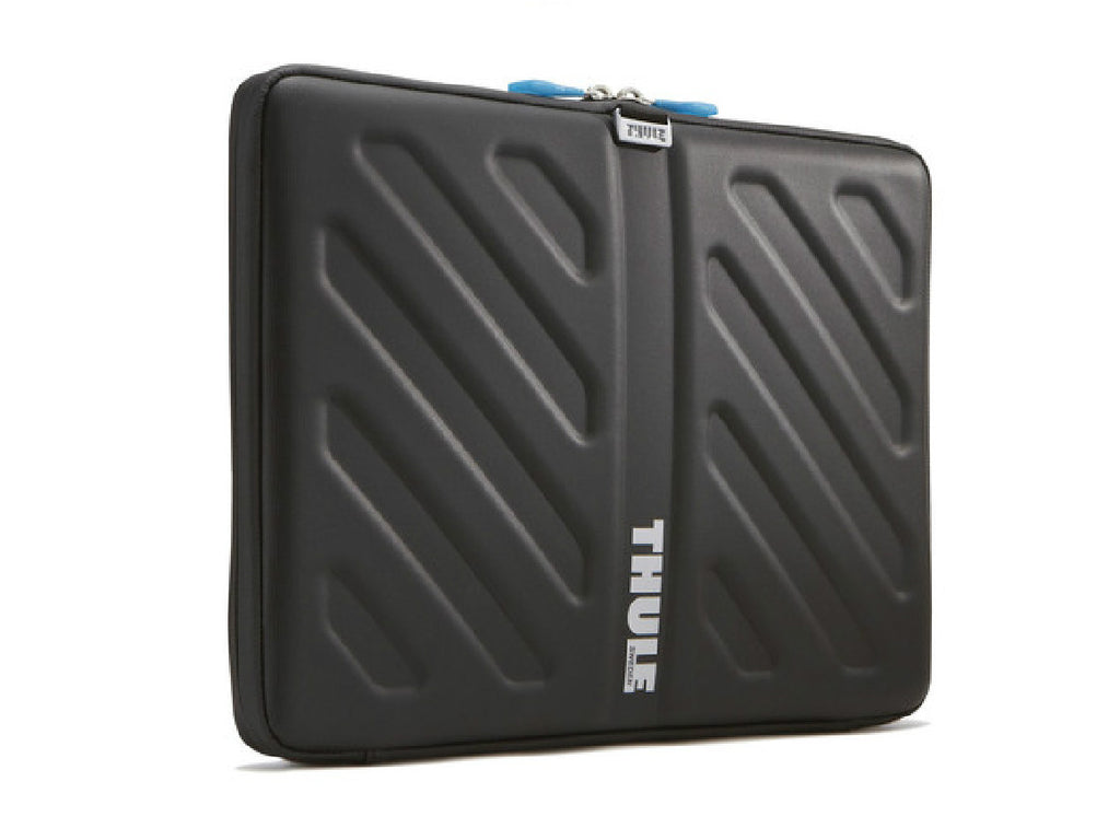 THULE-Gauntlet-15-MacBook-Pro-Sleeve_1160x870.jpg