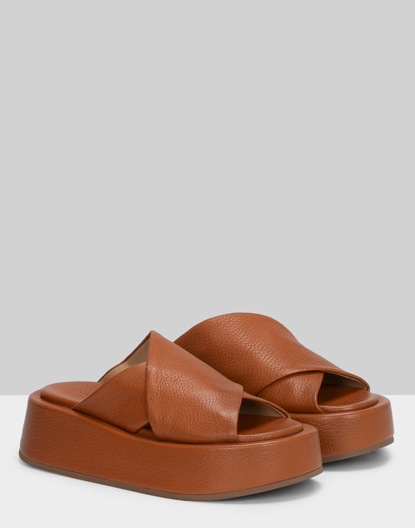 Tan Leather Piattaforma Slide Sandals