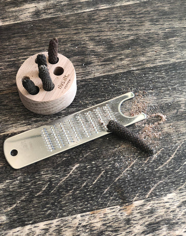 Stainless Steel Grater with Pepper