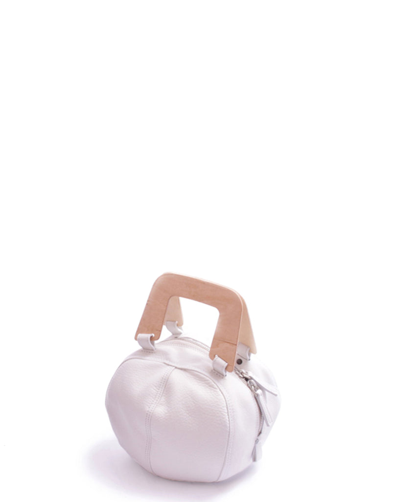 rosa-mosa-white-small-helmet-wooden-handle-leather-bag.jpeg