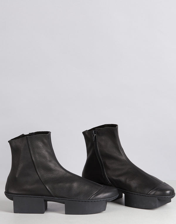 Black Noon Leather Split Sole Ankle Boots