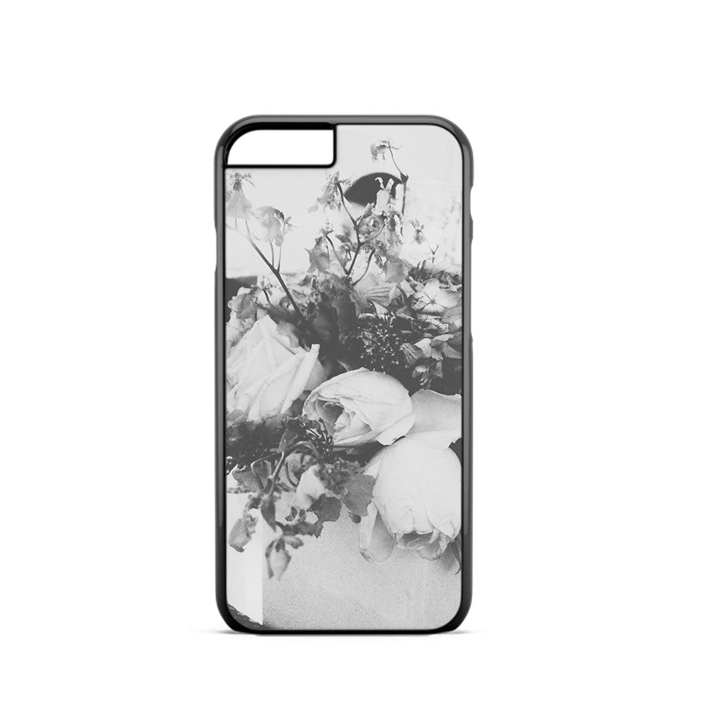 Black And White Roses iPhone 6 Case
