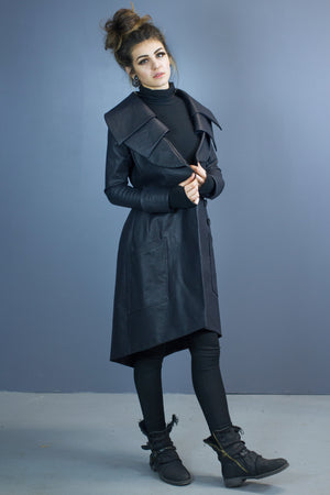 Size 6 Asgard triple collar coat-water resistant