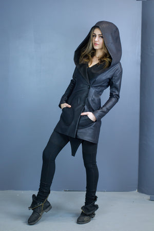 Size 6 Valkyrie hooded coat-water resistant
