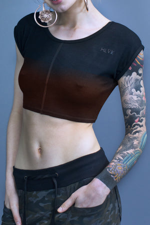 Devon cropped tee - black gradient