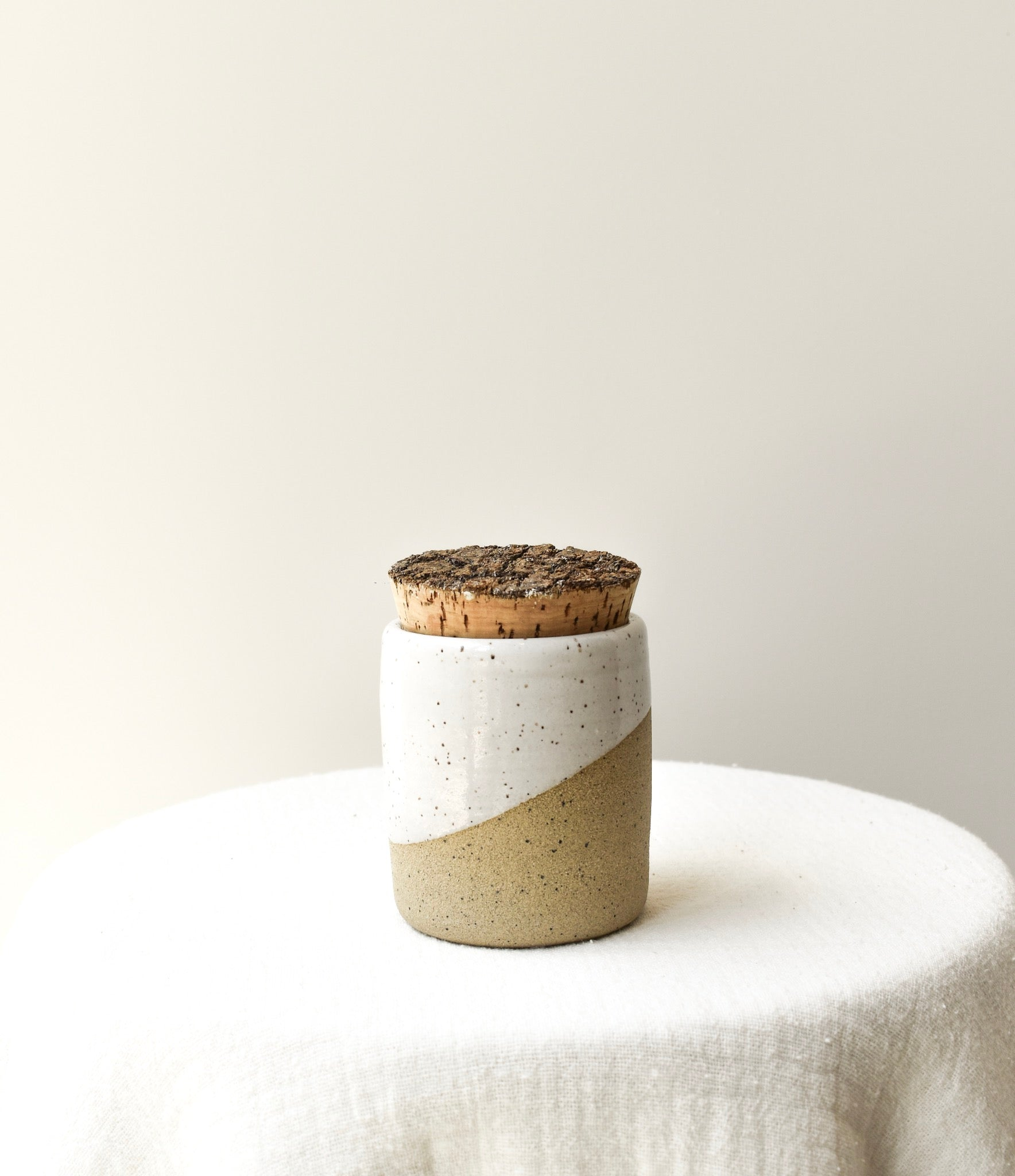 Cork Canister (White/Brown)