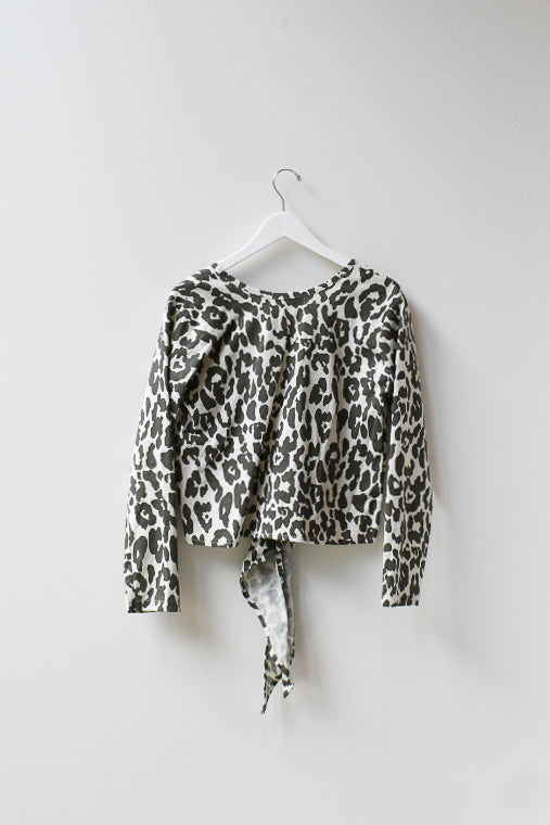 Sample Reversible L/V Top - White Leopard