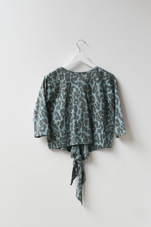 Sample Reversible L/V Top - Blue Leopard