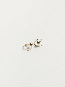 Black Pearl Swirl Earrings in Gold