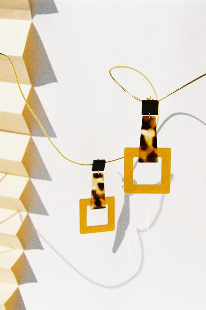 Girafe Earrings -Brown