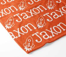 Load image into Gallery viewer, Personalized Kid Blanket - Name and Space Ship - The Little Arrows
