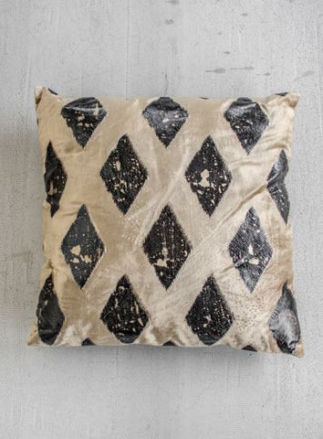BEIGE VELVET PILLOW WITH GOLD AND BLACK FOIL DIAMOND PRINT