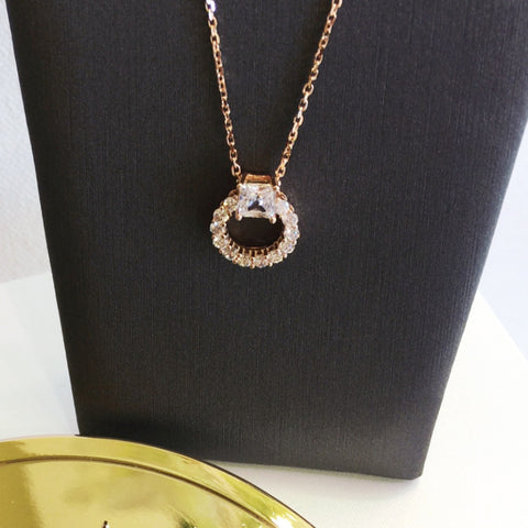 - A | Round with CZ Necklace w. Rose Gold