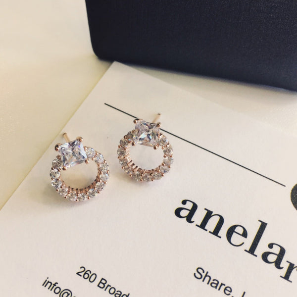 - A | Round Earring with Rose Gold