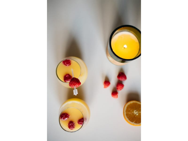 Mimosa Candle with berries and lemon