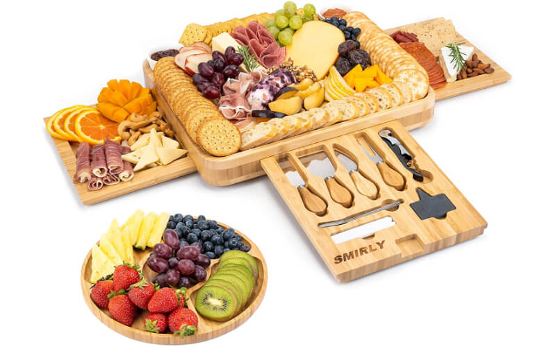 Smirly Cheese Board and Knife Set