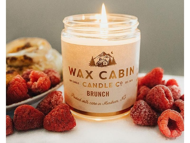 Brunch candle with berries