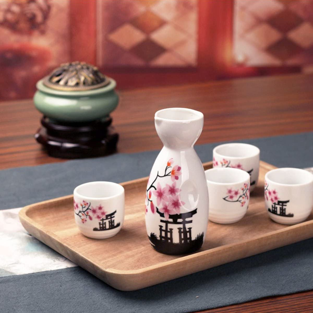 Sake bottle and drinking cups - Image by Amazon.com