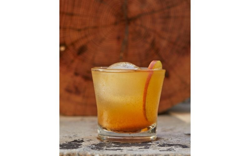 A glass of Pendleton Whisky Orchard Punch